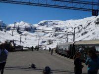 雪山に囲まれたミュルダール駅