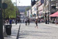カールヨハン通り。最奥はノールウェー王宮